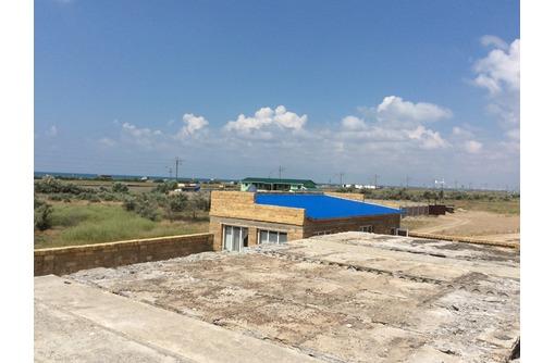 Продам в Прибрежном Ст. Солнышко недостроенную гостинницу , дом с бассейном  200 м от моря - Дома в Саках