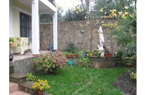 Дом не далеко  от набережной Ялты - Дома в Севастополе