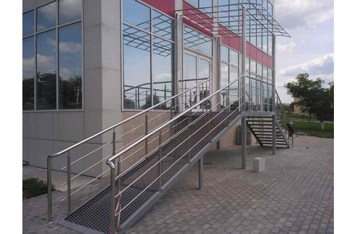 Перила и поручни из нержавеющей стали - Металлические конструкции в Феодосии