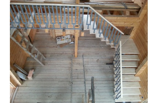 Лестница металлическая, на металлокаркасе с деревянными ступенями. Севастополь - Лестницы в Севастополе