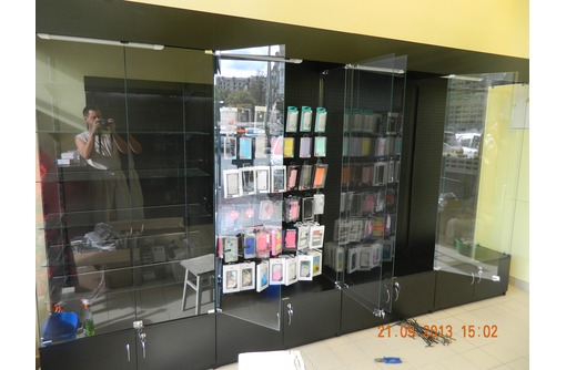 Торговое оборудование ,витрины из стекла,лдсп,алюминиевого профиля - Услуги в Севастополе