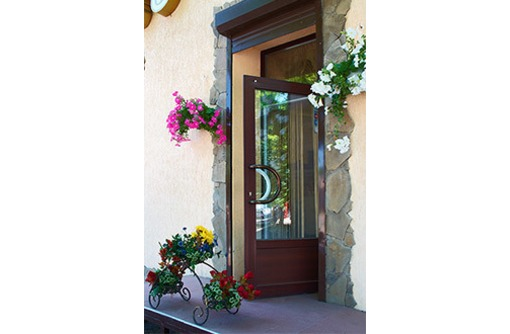 Качественные двери из металлопластика, фото — «Реклама Севастополя»