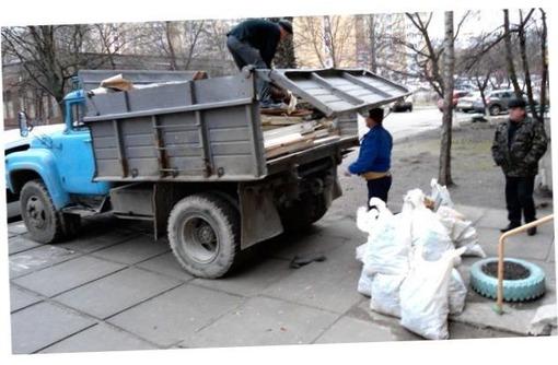 Вывоз мусора оконные рамы хлам строительный мусор - Вывоз мусора в Севастополе