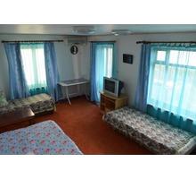 В частном двухэтажном доме, сдаю этаж с двумя комнатами, балконом и видом на «Аю-Даг» и «Адалары» - Аренда квартир в Гурзуфе
