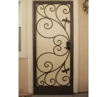Изготовление кованых и сварных балконов, дверей и оконных решеток. Индивидуальный подход - Входные двери в Ялте