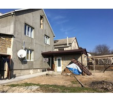 Продам коттедж в Бахчисарае с евро ремонтом и квартирой - Дома в Бахчисарае