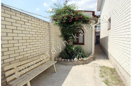 Сдается дом в Феодосии недалеко от набережной, на компанию из 8 человек - Аренда домов, коттеджей в Феодосии
