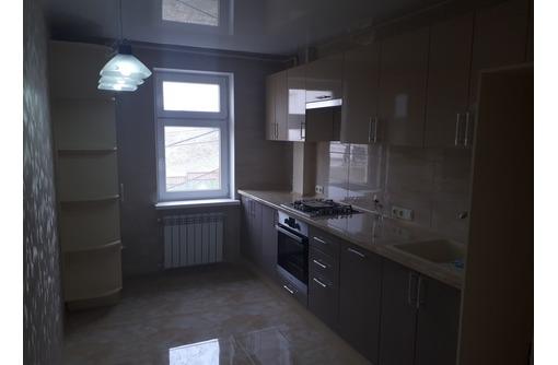 Сдается 2-комнатная, улица Комбрига Потапова, 25000 рублей, фото — «Реклама Севастополя»