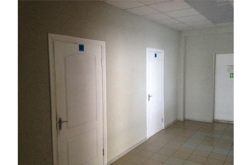 Офис в р-не Вакуленчука кабинетная система, фото — «Реклама Севастополя»