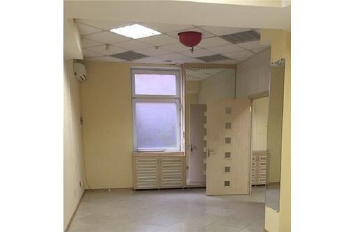 Универсальное помещение по адресу ул Астана Кесаева (состоит из трех залов), площадью 120 кв.м., фото — «Реклама Севастополя»