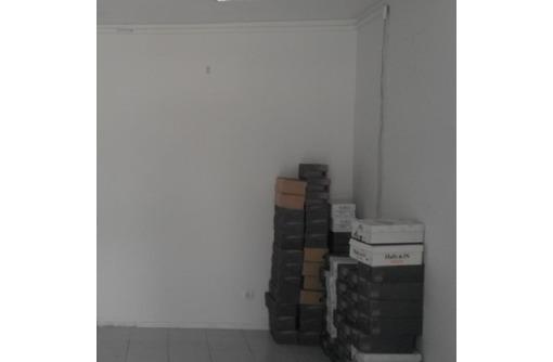 На первой линии ул Большая Морская Сдается в аренду Торгово-Офисное, площадью 30 кв.м. - Сдам в Севастополе