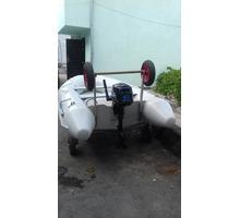 Продам  резиновую лодку с мотором - Надувные лодки в Алуште