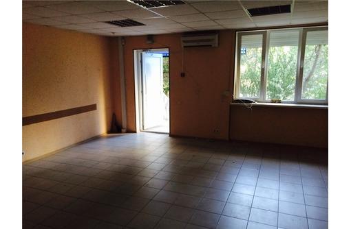 Первая линия Ул Генерала Острякова Торгово-Офисное (3 кабинета), площадью 74 кв.м., фото — «Реклама Севастополя»
