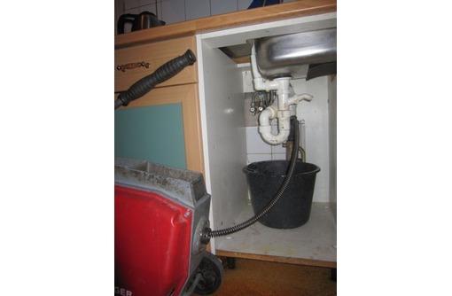 Прочистка, устранение засоров труб канализации. Чистка канализационных сетей, фото — «Реклама Севастополя»
