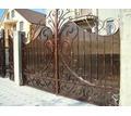 Изготовление ворот, калиток, лестниц, навесов, решеток, заборов из металпопрофиля. - Заборы, ворота в Керчи