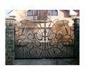 Сварочные работы. Решетки на окна, ворота, заборы, балконы, двери, лестницы, навесы - Металлические конструкции в Феодосии