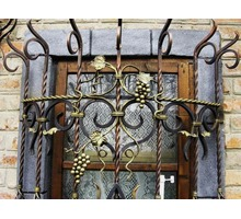 Двери входные металлические бронированные, решётки на окна и двери - Металлические конструкции в Феодосии