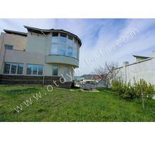 Шикарный дом у моря для большой компании с паркингом - Аренда домов, коттеджей в Феодосии
