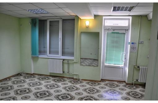 Сдается в аренду Торгово-офисное помещение на Генерала Острякова (первая линия, отдельный вход) 30м2 - Сдам в Севастополе