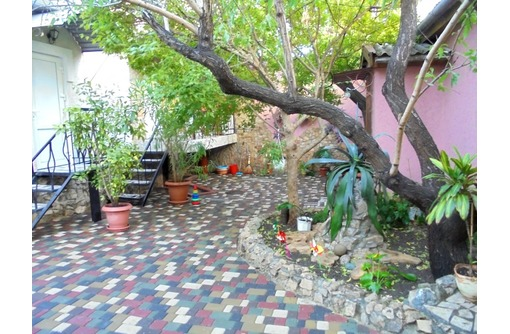 Двухкомнатный домик с террасой на 3-7 человек в Феодосии. - Аренда домов, коттеджей в Феодосии