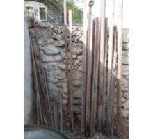 куски арматуры, труб, уголки, бочку металлическую на 200 л - Металлы, металлопрокат в Севастополе