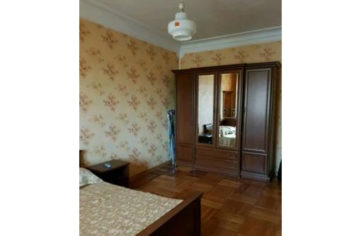 Сдается 2-комнатная, улица Новороссийская, 30000 рублей - Аренда квартир в Севастополе