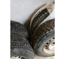Продам 4 колеса б/у (шина+диск) зимние шипованные - Автошины в Севастополе