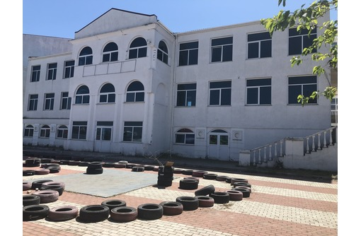Продается 3-этажное отдельно стоящее здание площадью 1100 кв.м, г. Севастополь - Продам в Севастополе