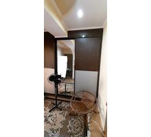 Продам 2-комнатную, благоустроенную квартиру в пригороде города Феодосии, поселок Приморский - Квартиры в Феодосии