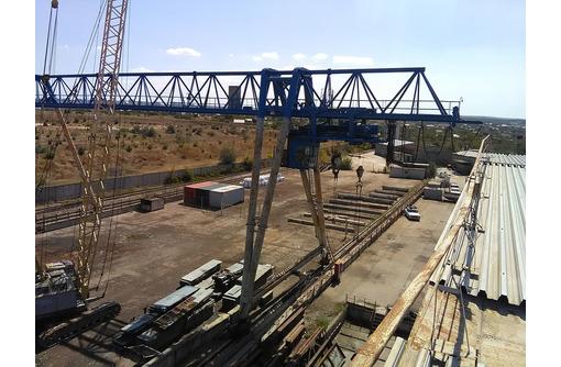 Сдача в аренду площадок и складов жд веткой и крановым оборудованием - Сдам в Севастополе