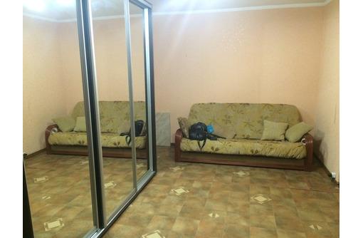 Сдается посуточно 2-комнатная-студио, улица Лизы Чайкиной, 2000 рублей, фото — «Реклама Севастополя»