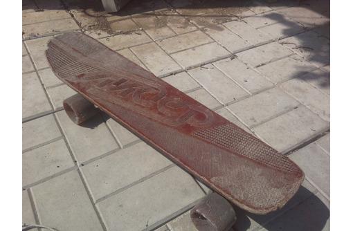 """Скейт """"Лидер"""" с регулирующимся расстоянием между роликами, фото — «Реклама Севастополя»"""