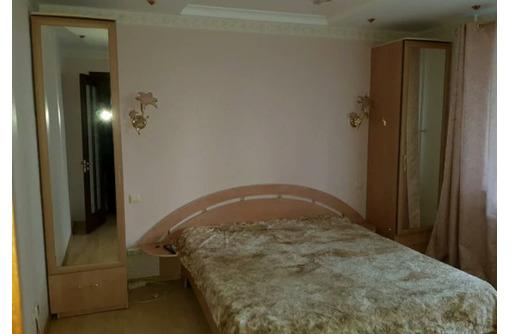 Сдается 3-комнатная, улица Астана Кесаева, 30000 рублей - Аренда квартир в Севастополе