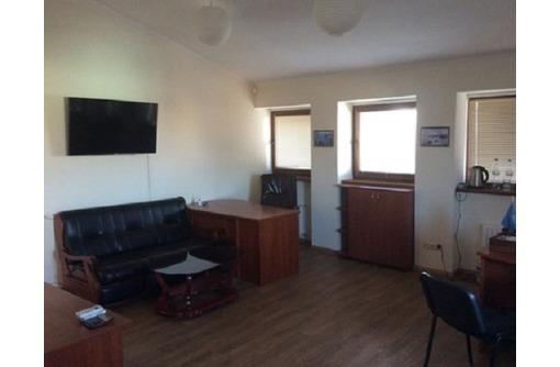 В Отличном Коммерческом здании Сдается Офисное помещение, 4 кабинета - со всеми коммуникациями, 150м, фото — «Реклама Севастополя»