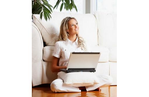 Менеджер по работе с клиентами, фото — «Реклама Алупки»