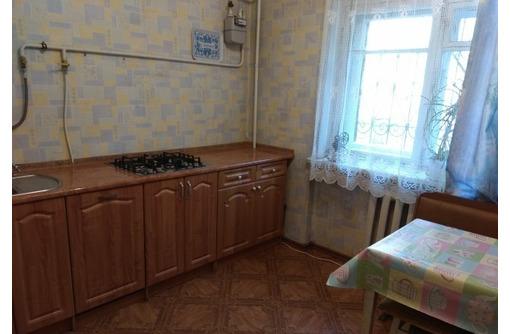 Продам 2-комнатную квартиру на ул. Героев Севастополя, 12 - Квартиры в Севастополе