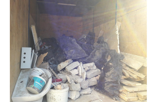 Вывоз строительного мусора , грунта, хлама.. Любые объёмы!Работаем 24/7 - Грузовые перевозки в Севастополе