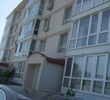 Продам квартиру в пгт Черноморское - Квартиры в Черноморском