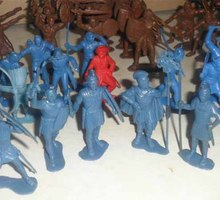 Куплю игрушки (солдатики,машинки,куклы,модели) СССР и 90-х годов - Хобби в Ялте