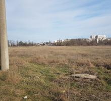 Продается на 1 линии Евпаторийского шоссе ровный участок площадью 81 сотка - Участки в Симферополе