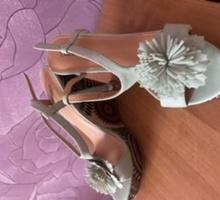 Продаются босоножки - Женская обувь в Симферополе