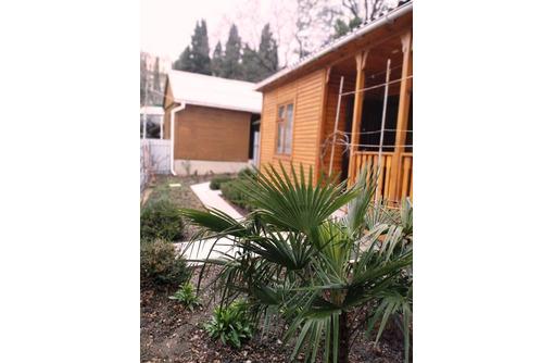 Продам участок пгт Форос с двумя гостевыми домиками - Участки в Форосе
