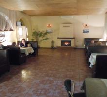 Требуется бармен - официант в круглогодичный бар (б.Камышовая) - Бары / рестораны / общепит в Севастополе