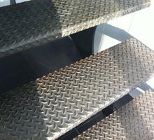 Изготовление металлических лестниц. Рубка и гиб ступенек и площадок. - Лестницы в Севастополе