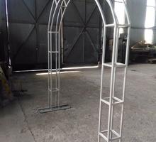 Изготовляем гаражи, ворота, навесы, лестницы, ангары , металлоконструкции по  Вашему желанию - Металлические конструкции в Севастополе