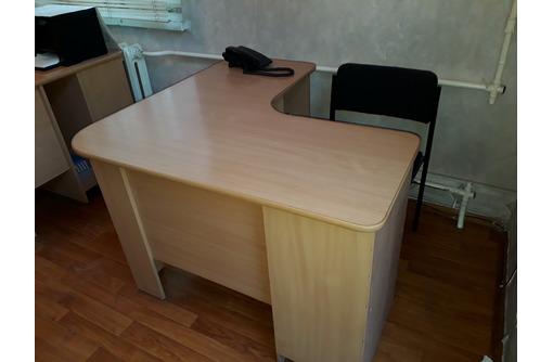 Стол офисный, угловой, с полками, хорошее состояние - Мебель для офиса в Севастополе
