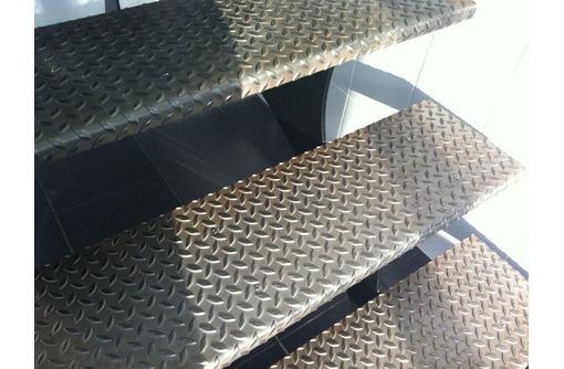 Изготовим и смонтируем гаражи, ворота,заборы, навесы, лестницы, ангары - Металлические конструкции в Севастополе
