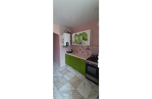 продам благоустроенную двухкомнатную квартиру - Квартиры в Феодосии
