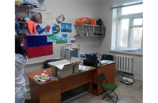 Аренда офисного кабинета в районе пл Ушакова, площадь 28 кв.м., фото — «Реклама Севастополя»
