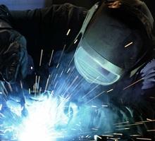 Требуется сварщик для работы в Белогорске - Рабочие специальности, производство в Белогорске